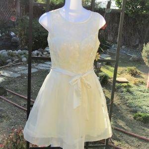 CREAM SHORT BOHO DRESS SIZE 3/4